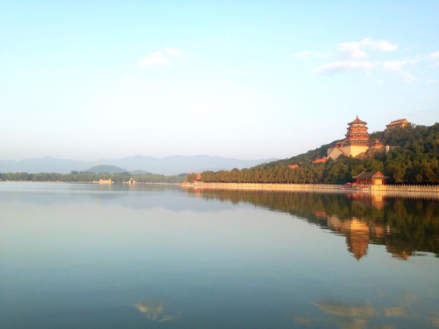 Morning on Kunming Lake