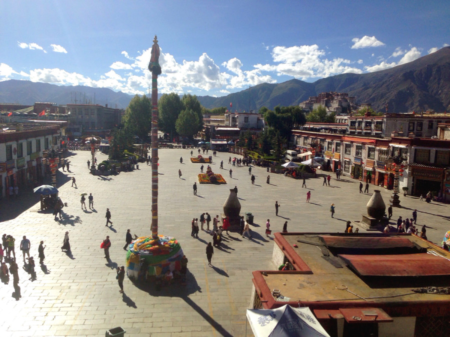 Lhasa - Bharkhor Bazaar view from Jokhang  Temple